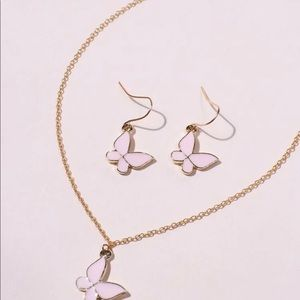 3/$30 💛 Butterfly Necklace and Earrings Set